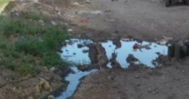 """شكوى من انتشار مياه الصرف الصحى بقرية """"دخميس"""" بمركز المحلة"""