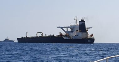 قائد بالبحرية الإيرانية: مستعدون لمرافقة الناقلة أدريان داريا1