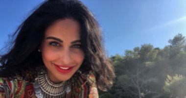 """بعد فك حزامها.. ميس حمدان تنقذ شقيقتها خلال فيلم """"ستموت في العشرين"""""""