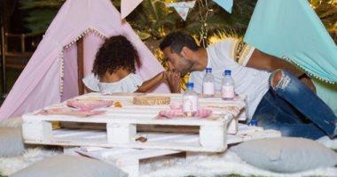 ماذا قال كريم فهمى لابنته على حسابه بموقع انستجرام؟