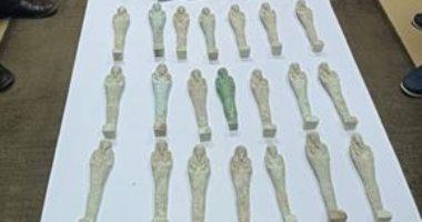 إحباط محاولة تهريب 12 قطعة آثار تعود إلى العصور الرومانية والفرعونية