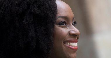 شيماماندا نجوزى أديشى.. كاتبة نيجيرية تحقق العالمية برواية أمريكانا