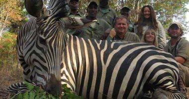 """زوجان """"اتخرب بيتهم"""" بعد صور الصيد الجائر فى تنزانيا.. اعرف القصة؟"""