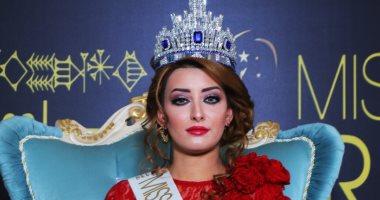 ملكة جمال العراق تطالب ترامب بالتدخل لمنع إسقاط جنسيتها بسبب دعمها لإسرائيل