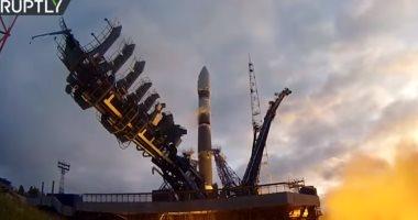 لحظة إطلاق 4 أقمار صناعية عسكرية روسية بنجاح.. فيديو