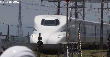"""يمكنه السير ببطاريات منفصلة ..اليابان تختبر قطار """"الطلقة"""" ..فيديو"""