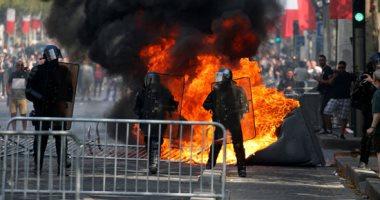 الشرطة الفرنسية تطلق الغاز لتفريق محتجين فى يوم الباستيل