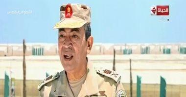 """""""رئيس الوطنية للزراعات المحمية"""" يستعرض إنجازات قطاع الزراعة بقاعدة محمد نجيب"""