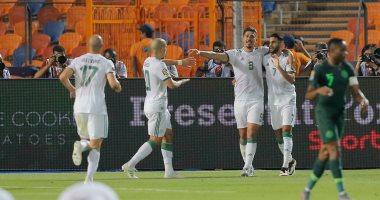 صور.. الجزائر تتقدم على نيجيريا بهدف ذاتى بعد 40 دقيقة فى نصف نهائى أمم أفريقيا