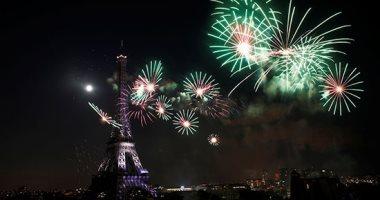 يوم الباستيل.. الألعاب النارية تضيء سماء باريس فى احتفالات العيد الوطنى لفرنسا