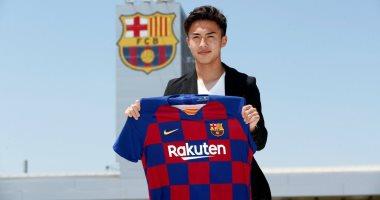 رسميا.. برشلونة يتعاقد مع اليابانى آبى نجم كاشيما أنتلرز
