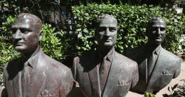 وزارة الثقافة تتسلم 3 نسخ من تمثال برونزى نصفى للزعيم جمال عبد الناصر