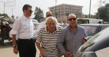بعد حزنه الكبير على رحيلها.. صورة نادرة لـ رشوان توفيق وزوجته قبل 60 عاما