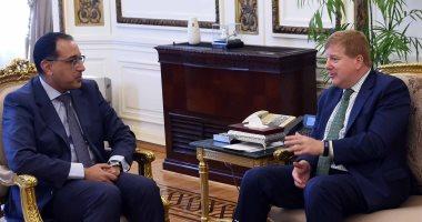 رئيس الوزراء يستعرض مع مسئول غرفة التجارة الأمريكية تعزيز العلاقات التجارية