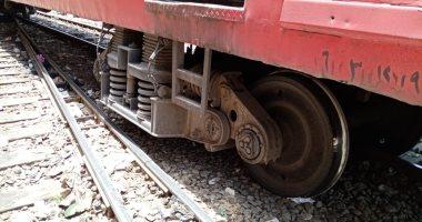 مصرع طفل صدمه قطار أثناء عبوره شريط السكة الحديد بقنا