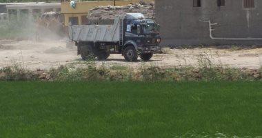صور.. إيقاف أعمال تبوير أرض زراعية و التحفظ على المعدات شرق الإسكندرية