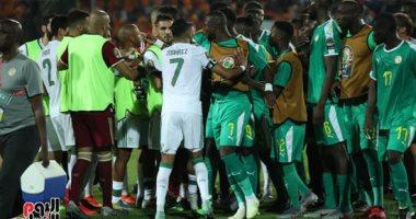 اشتباكات لاعبى الجزائر والسنغال فى نهائى أمم أفريقيا