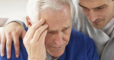 هل يزيد فقدان حاستى البصر والسمع من مخاطر الإصابة بالخرف؟
