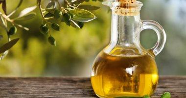 يقلل إفرازات البشرة الدهنية ويؤخر علامات الشيخوخة.. 3 فوائد لزيت الجوجوبا -