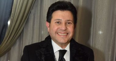 """البركة فى الشباب.. هانى شاكر يطرح """"بينا"""" بتوقيع أحمد زعيم"""
