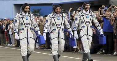 صور.. انطلاق 3 رواد بكبسولة روسية إلى محطة الفضاء الدولية