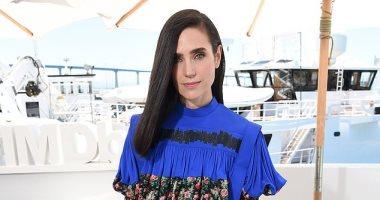 """تعرف على سعر فستان جنيفر كونيلى من تصميم دار أزياء """"Louis Vuitton"""""""