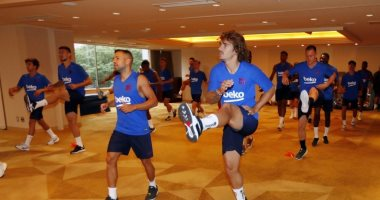 جريزمان يقود هجوم برشلونة ضد تشيلسي