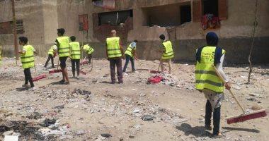 """صور ..توزيع أدوات نظافة خلال مبادرة """"عيشة نضيفة"""" بالسلام ثان بالقاهرة"""