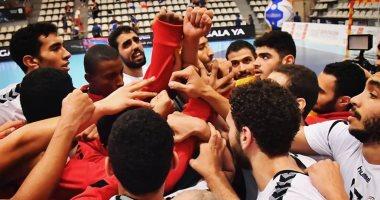 مدرب منتخب شباب اليد يسحب الموبايلات من اللاعبين قبل مواجهة صربيا
