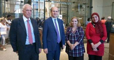 شاهد.. وزير الطاقة والبيئة اليونانى فى المتحف المصرى بالتحرير