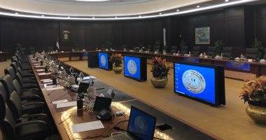 فيديو..قاعة اجتماعات الحكومة الجديدة بالعلمين قبل بدء أول اجتماع