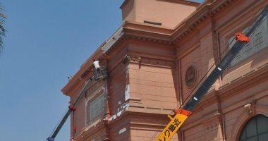 شاهد.. بدء أعمال تطوير الموقع العام للمتحف المصرى بالتحرير