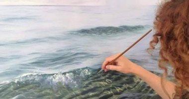 وكأنها حقيقية.. فنانة تبدع فى رسم المياه والبحار فى لوحات فنية بديعة