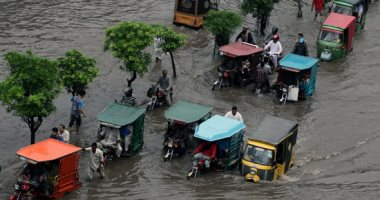 صور.. مصرع 5 أشخاص جراء الفيضانات فى باكستان