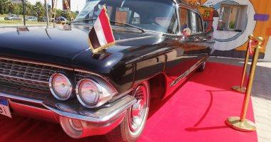 صور.. سيارة جمال عبد الناصر تستقبل زوار شارع 306 بمساكن شيراتون المطار