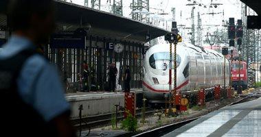 صور.. رجل يدفع طفلا أمام قطار فى ألمانيا فيقتله