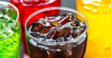 لو عندك 40 سنة.. دراسة تحذر: تناول مشروب سكري يوميًا يرفع خطر النوبة القلبية