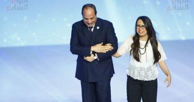 """بعد تكريمها من الرئيس السيسي.. هديل ماجد تكشف سر تسمية أغنيتها الأولى """"واثقة"""""""