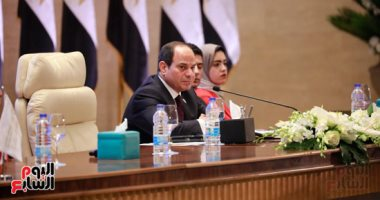 صور.. الرئيس السيسى يشهد جلسة نموذج محاكاة الدولة المصرية بالمؤتمر الوطنى للشباب