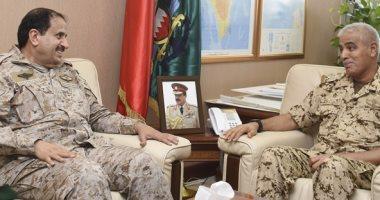 رئيس هيئة الأركان البحرينية يستقبل قائد القيادة العسكرية بدول مجلس التعاون