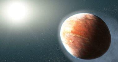 علماء الفلك يكتشفون كوكبا على شكل بيضة