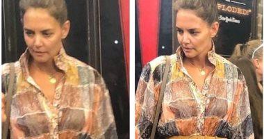 كاتى هولمز تظهر بفستان من تصميم Zimmerman بـ 1995 جنيه استرلينى