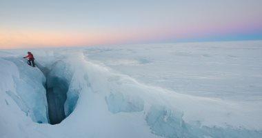 الأعلى على مر التاريخ.. ذوبان 11 مليار طن من الجليد بجزيرة جرينلاند (صور)