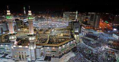 خشوع وتدبر ودعاء... ملايين الحجاج يؤدون الصلاة بالمسجد الحرام