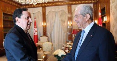 رئيس تونس المؤقت يناقش مع وزير خارجيته وضع البلاد الإقليمى والدولى