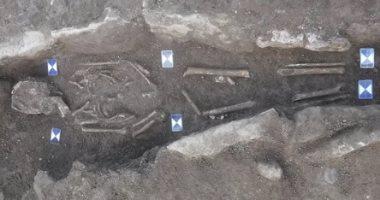اكتشاف مقبرة جماعية تعود لـبدايات العصور الوسطى فى بريطانيا