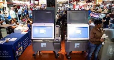 تقرير: أنظمة التصويت فى انتخابات أمريكا ظلت متصلة بالإنترنت لعدة أشهر