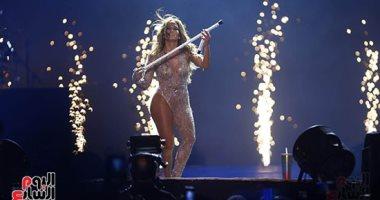النجمة العالمية جنيفر لوبيز ترقص بالعصا فى حفل العلمين الجديدة