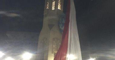 """احتفالا بالعيد ..رفع علم مصر ووضع """"بالونات"""" أعلى مسجد ببنى سويف (صور)"""