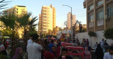 صور.. أهالي الشرقية يتوجهون للحدائق والمتنزهات للاحتفال بأول أيام العيد